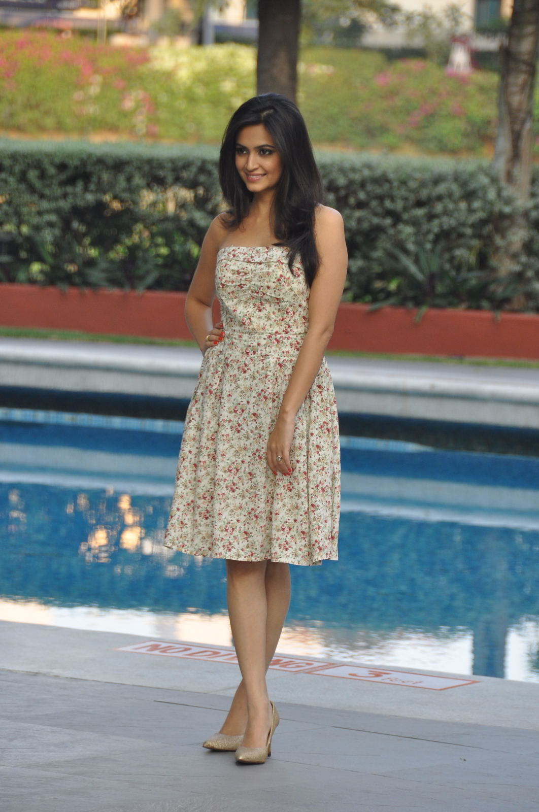 kriti kharbanda hot photos