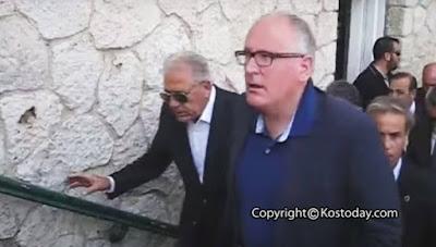 Κως: Η επεισοδιακή άφιξη του Δημήτρη Αβραμόπουλου στο δημαρχείο: «Έχουμε 7.000 καραμπίνες» [βίντεο]