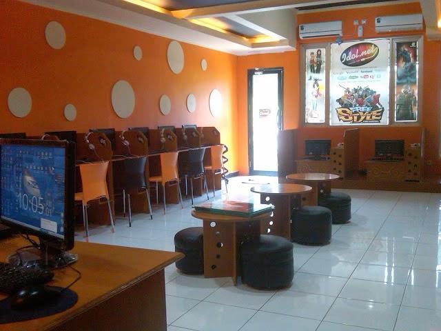 Wow, Bisnis Warnet Cafe Untuk Anak Muda