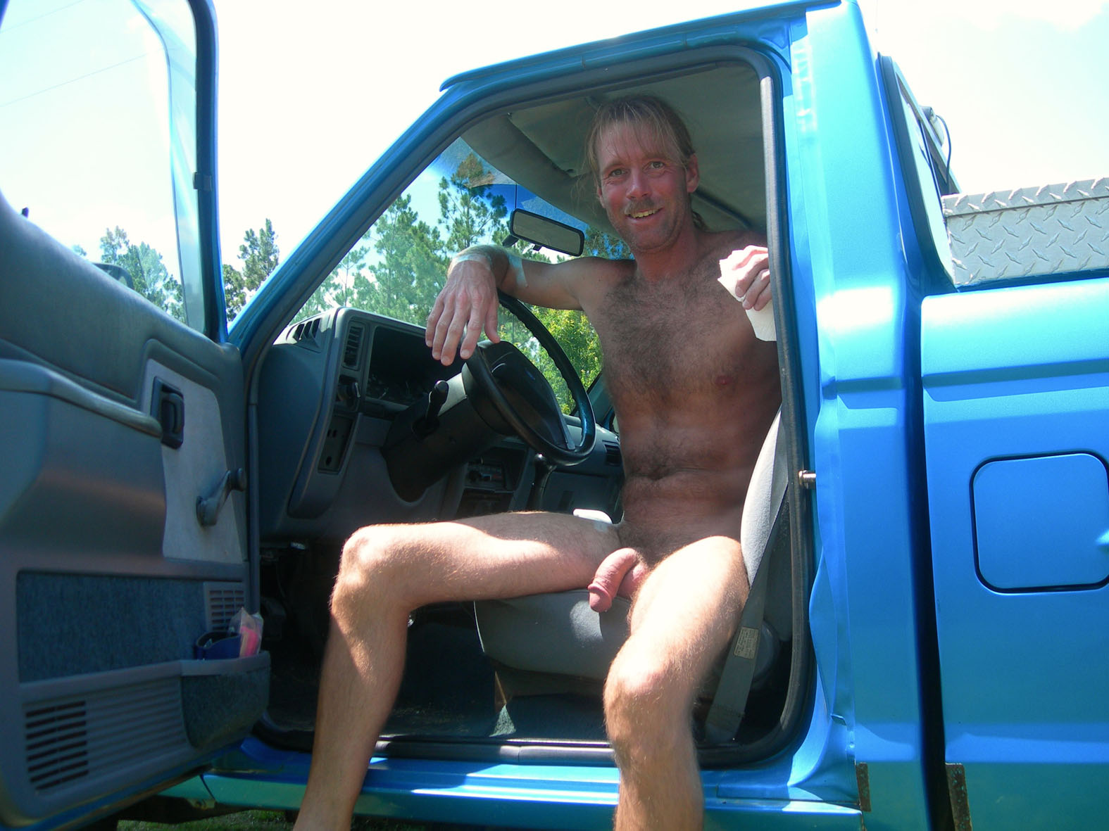naked exhibitionist in car