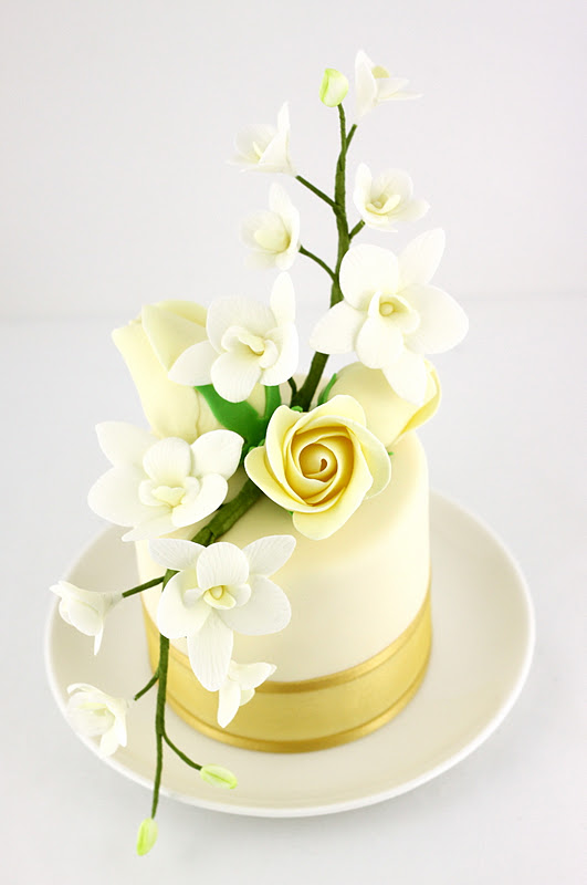 Sweet Art Cakes by Milbreé Moments: November 2011