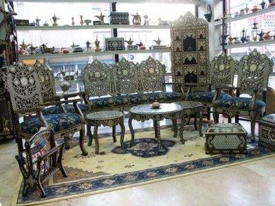 Gümüş rengi ahşap el işlemeleri bahçe mobilyaları tasarımları