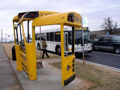 Gambar Halte Bus Unik