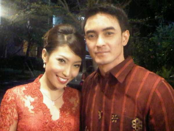 Foto Ayu Dewi dan Zumi Zola