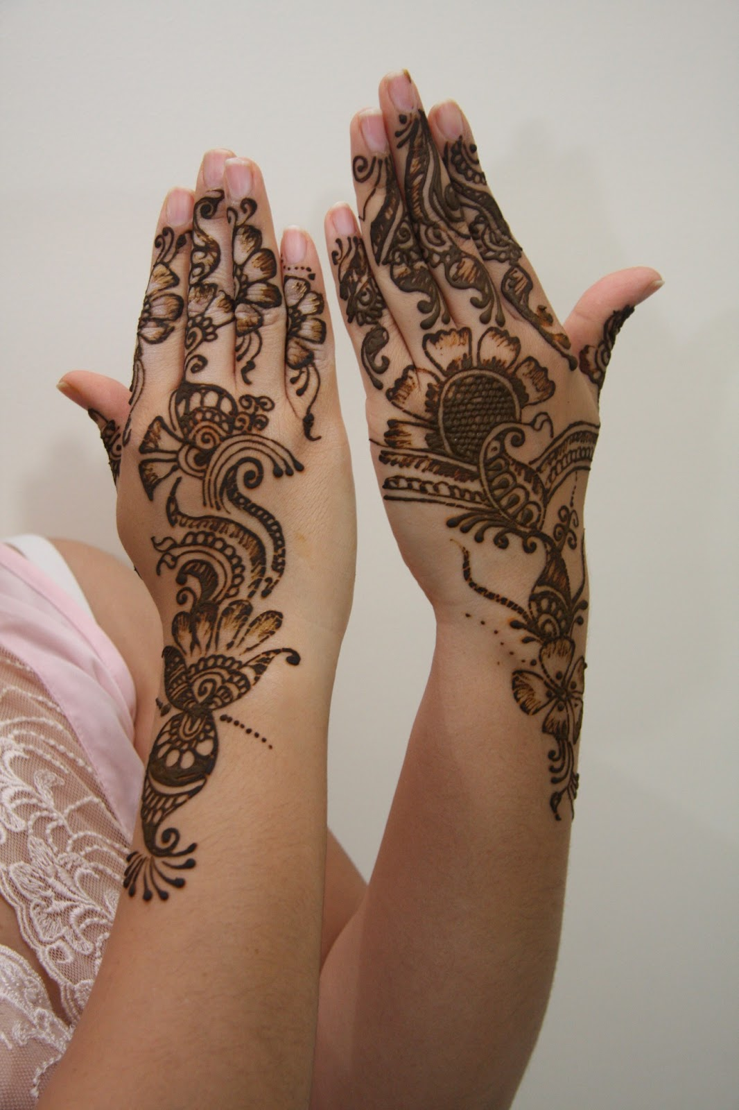 indian henna tattoos pictures to pin on pinterest tattooskid. Black Bedroom Furniture Sets. Home Design Ideas