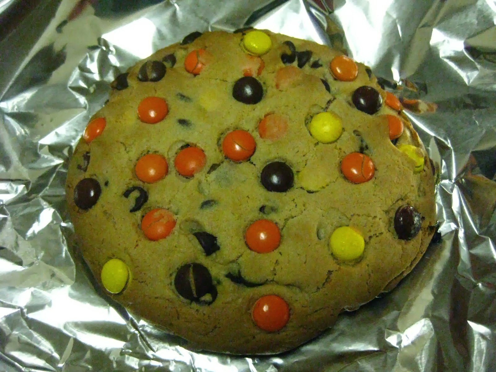 The Baking Bluenoser: Giant Reese's Pieces Cookie for One