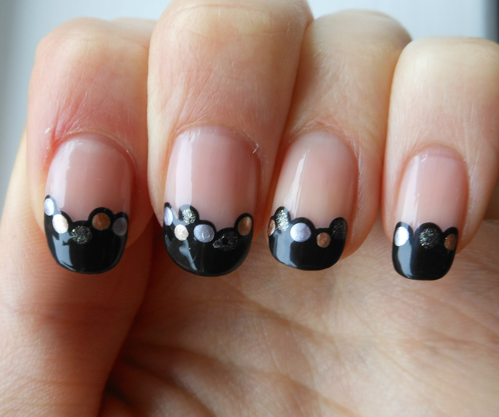 Simple Nail Designs: Holy Grail Nails: How-To: Easy Dotted Tips