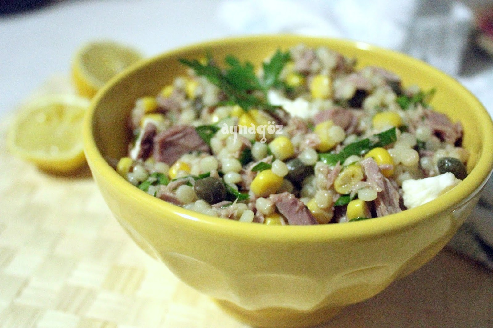 Konserve ton balığı ve salatalık salatası. Basit Tarifler
