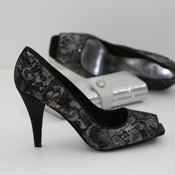 Black Lace Bridal Shoes 3
