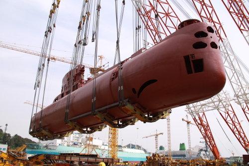 Pembangunan Pabrik Kapal Selam Ditargetkan 2016