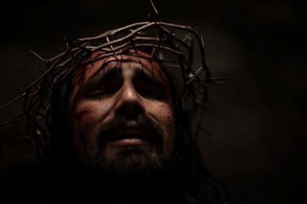 Tuhan Yesus Harus Menjelma Menjadi Manusia