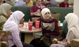 Απαγορεύτηκε το φλερτ πριν το γάμο στην Τουρκία - 1000 ΧΡΟΝΙΑ ΠΙΣΩ... ΟΙ ΕΥΡΩΜΟΓΓΟΛΟΙ
