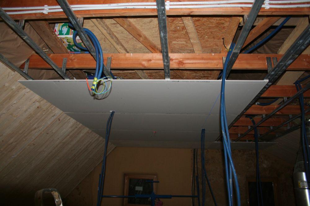 fabriquer une trappe de visite plafond maison design. Black Bedroom Furniture Sets. Home Design Ideas
