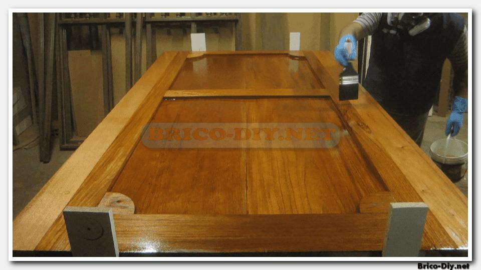 Pintar puertas de madera lacar muebles de madera en for Pintar ventanas de madera exterior