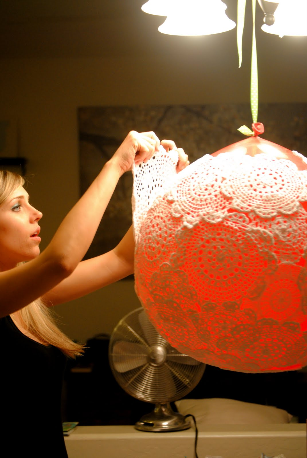 The johnstons diy doily lamp diy doily lamp arubaitofo Image collections
