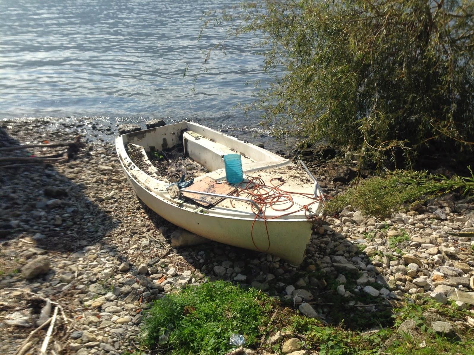 ecco la Maretta vicino all`acqua... avrebbe galleggiato ?