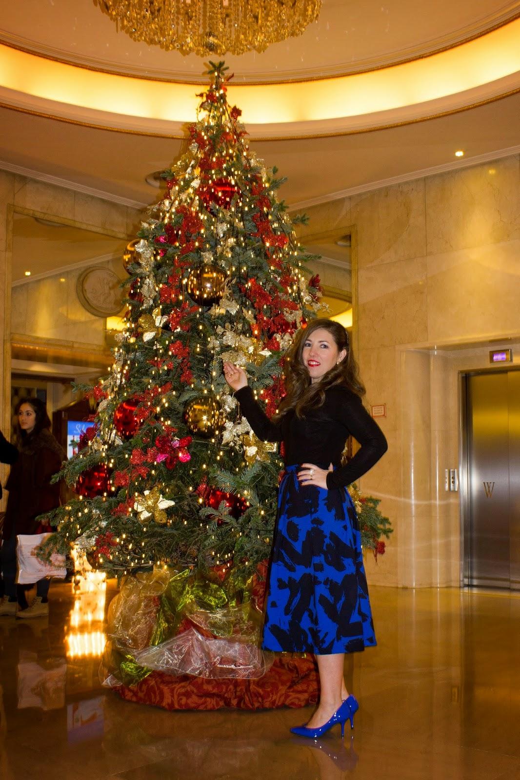 look estilismo nochevieja formal evento navidad falda azul lady midi outfit