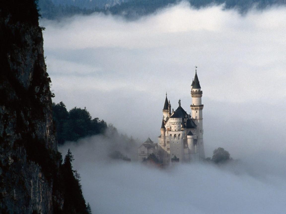 http://1.bp.blogspot.com/-LvP2gCg6Yec/TuJMKkYaNuI/AAAAAAAAA04/gXaiXRZ0qSk/s1600/Neuschwanstein_Castle_Germany_02.jpg