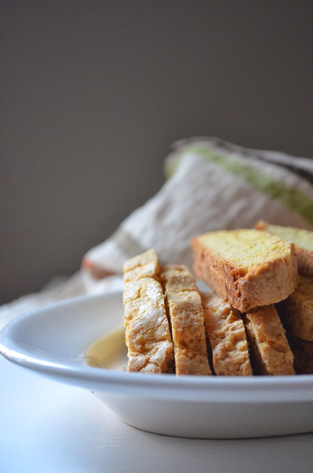 amour fou(d): lemon, olive oil, and almond biscotti.