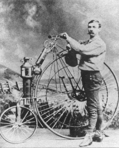 sepeda motor pertama