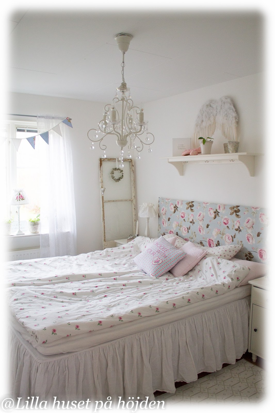 Lilla huset på höjden: scener från ett sovrum
