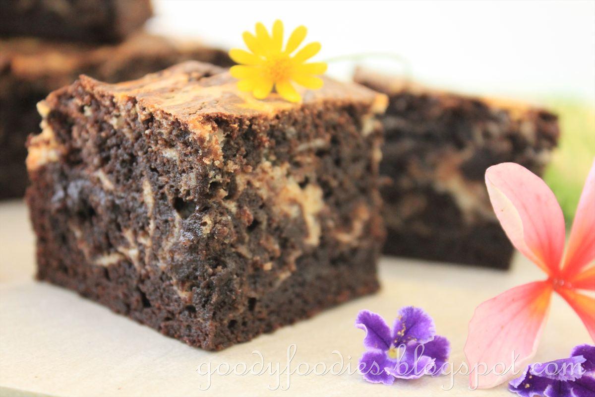 ... : Recipe: Cream Cheese Marbled Chocolate Brownies (Martha Stewart