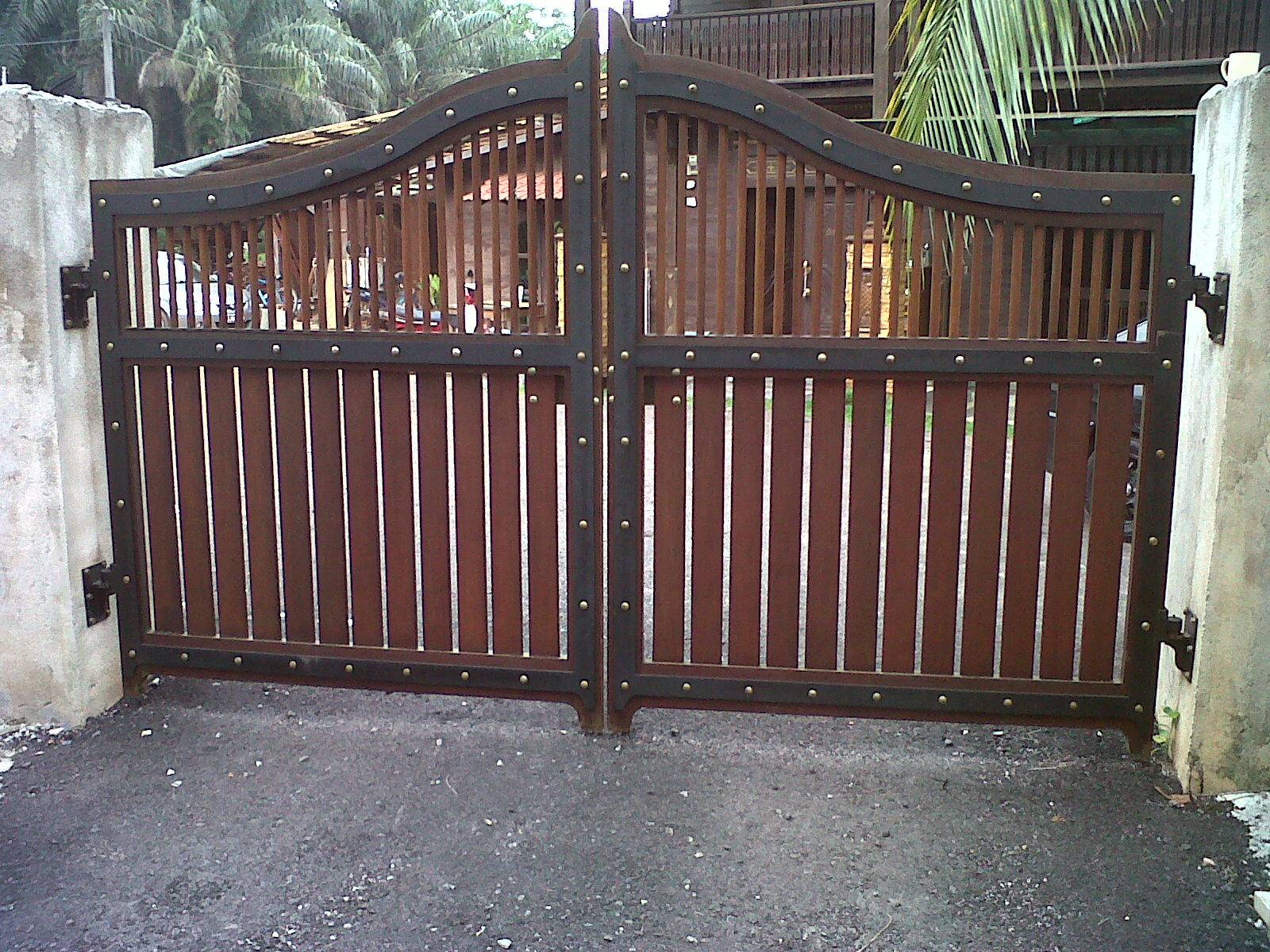 Kapsah custom carpentry house main gate 10ft x 6ft rm for Main gate door design