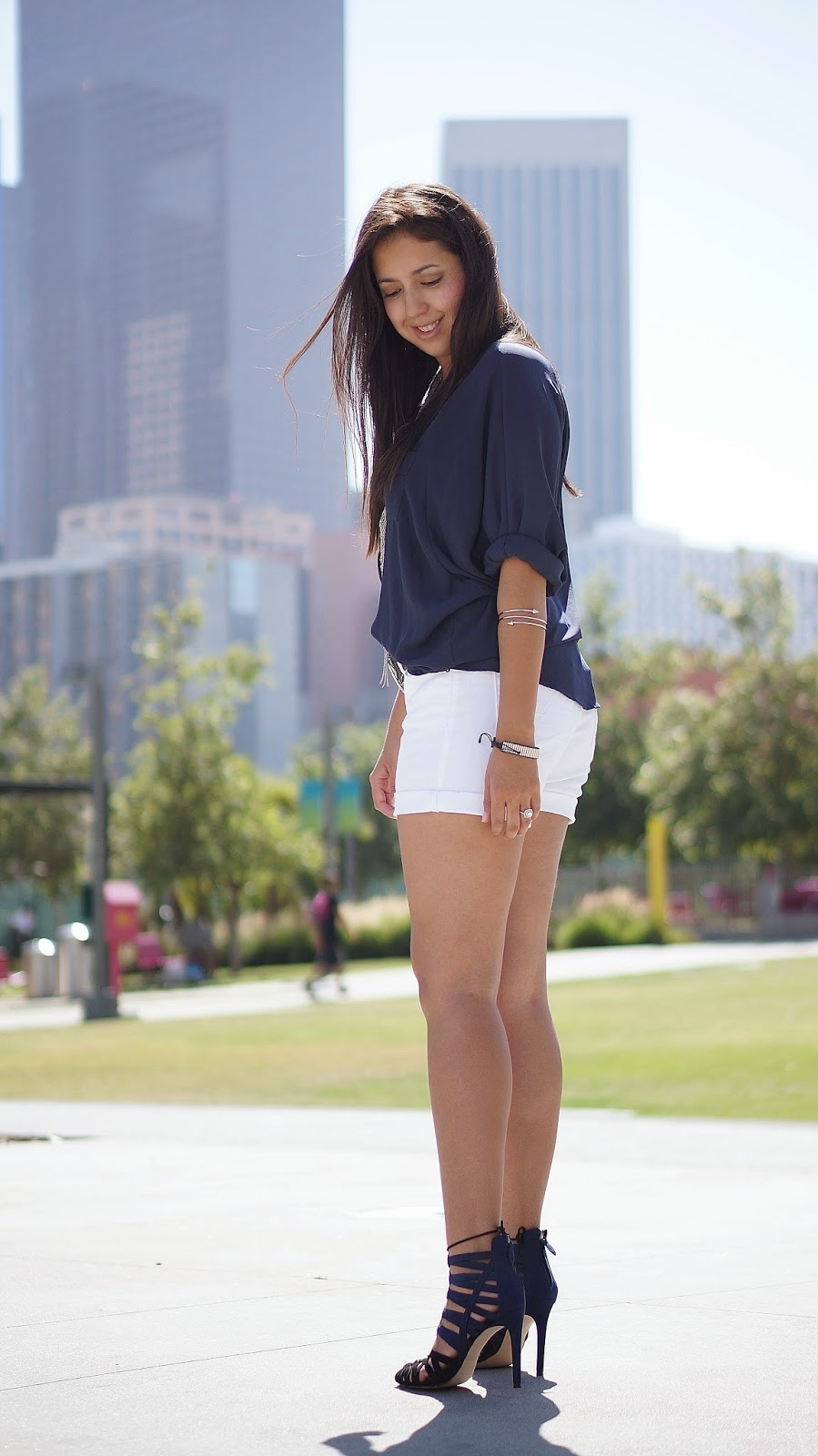 Levi's Roll Cuff White Shorts, Summer Fashion, Fashion Blogger, Zara Heels, Casual Look, Downtown LA