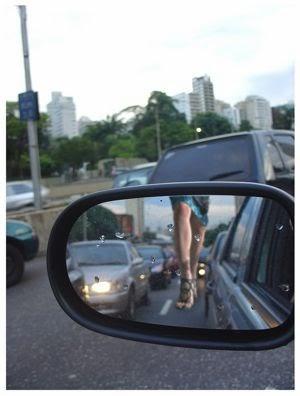 Fitur Anti Blind Spot Untuk Keamanan berkendara