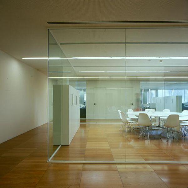 Hogar decora decorar la oficina con mamparas for Mamparas divisorias para oficinas