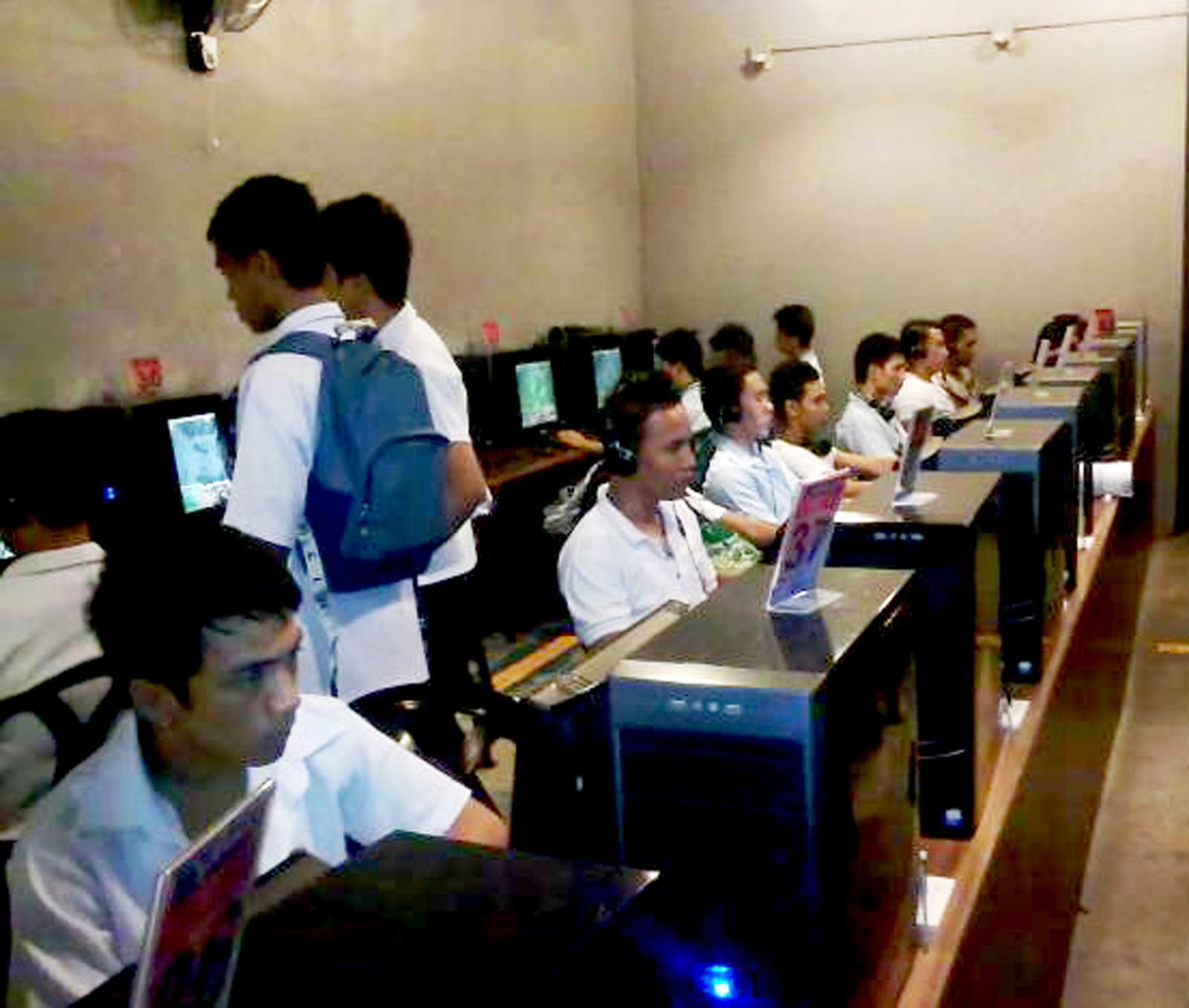 internet cafe 2 essay Free essay: table of contents: executive summary page 2 issue  strategy  regarding the franchise for easy internet cafe we qualified 4 offers.