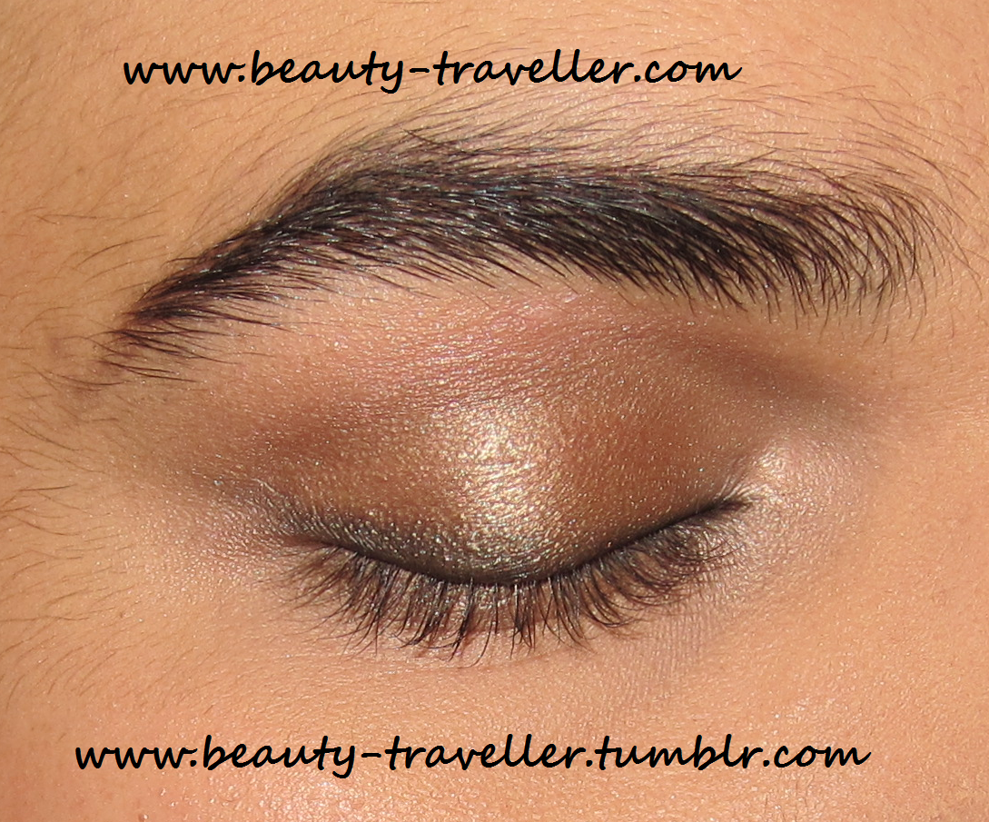 Apply Mac Woodwinked To Add An Accent To The Eye Lids See How Reflective  This Eyeshadow