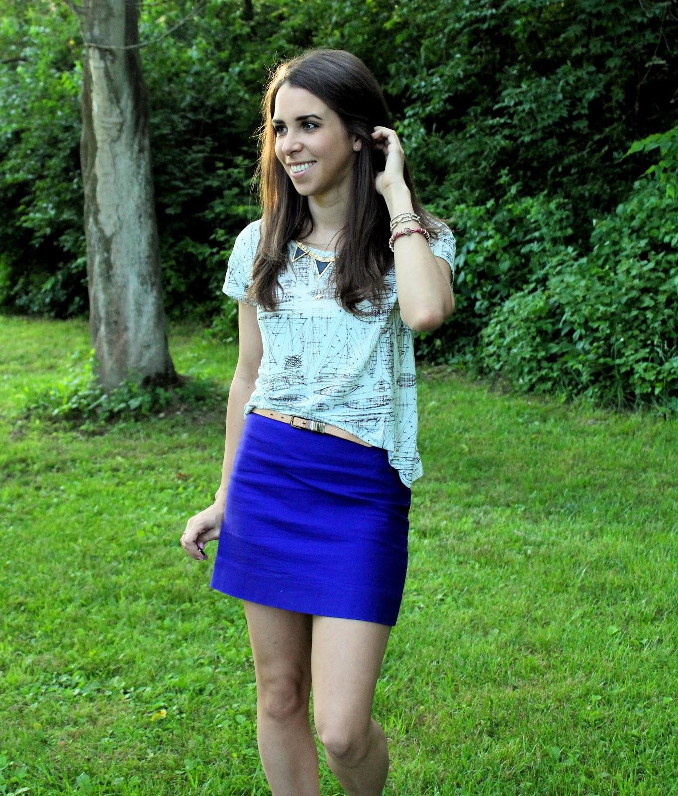 Teens in mini skirts — photo 13