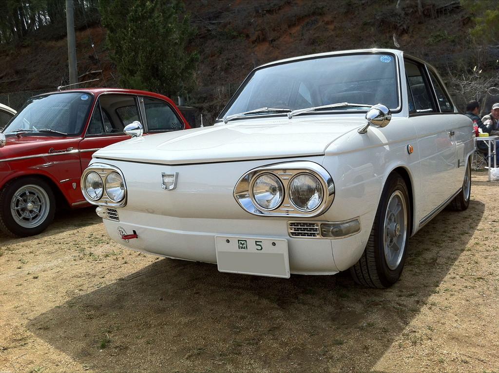 reflektory, nostalgic, dawne auta, samochody z lat 60, japońskie klasyki, Hino Contessa PD, 1300, JDM