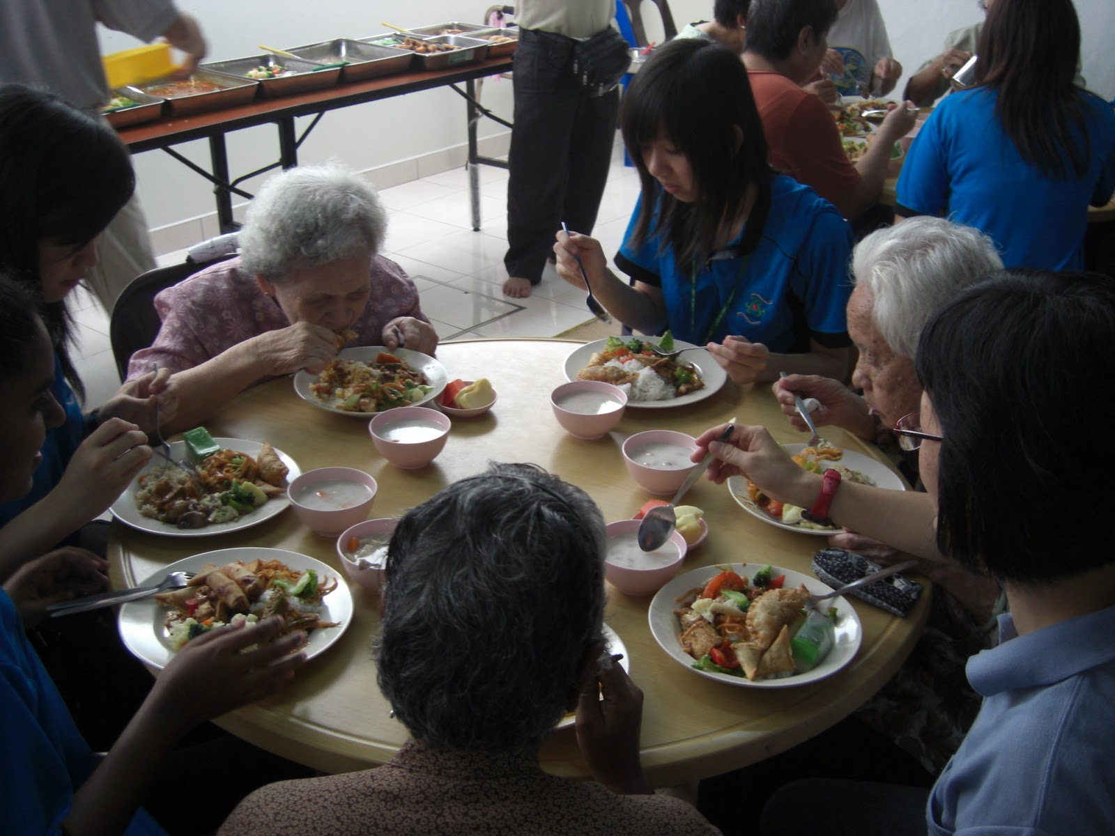experience of visiting an old folks home A day in the life of an old people's home  although funding for more home visits has increased, the experience can be very isolating for the most sick, who are unable to do anything during the.