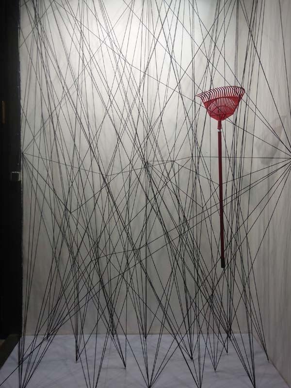 Artidi, escaparates de gran formato, artistas, Chiharu Shiota