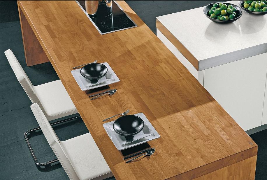 la madera es un producto natural que con un regular se volver ms y ms hermosa a travs de los aos y es una magnfica alternativa para la