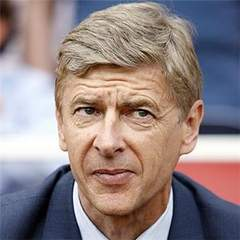 He is Exceptional :- Wenger hails Old rival Ferguson