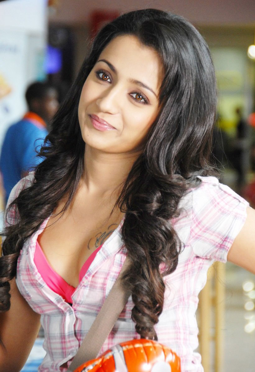 Trisha hot stills from Teen maar movie Wallpapers