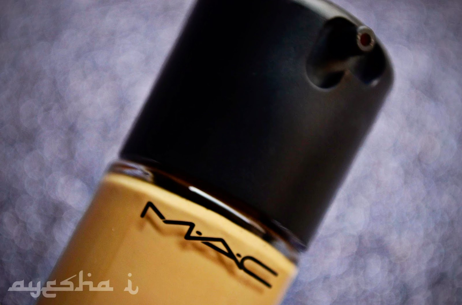 MAC Pro Longwear Foundation NC 25