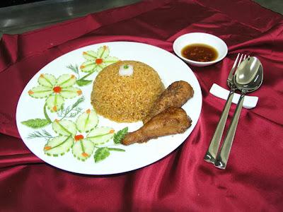 Món ăn ngon: Nghệ thuật trang trí đĩa cơm gà