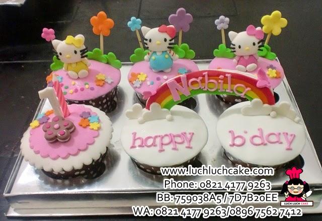 Cupcake Hello Kitty Fondant Daerah Surabaya - Sidoarjo