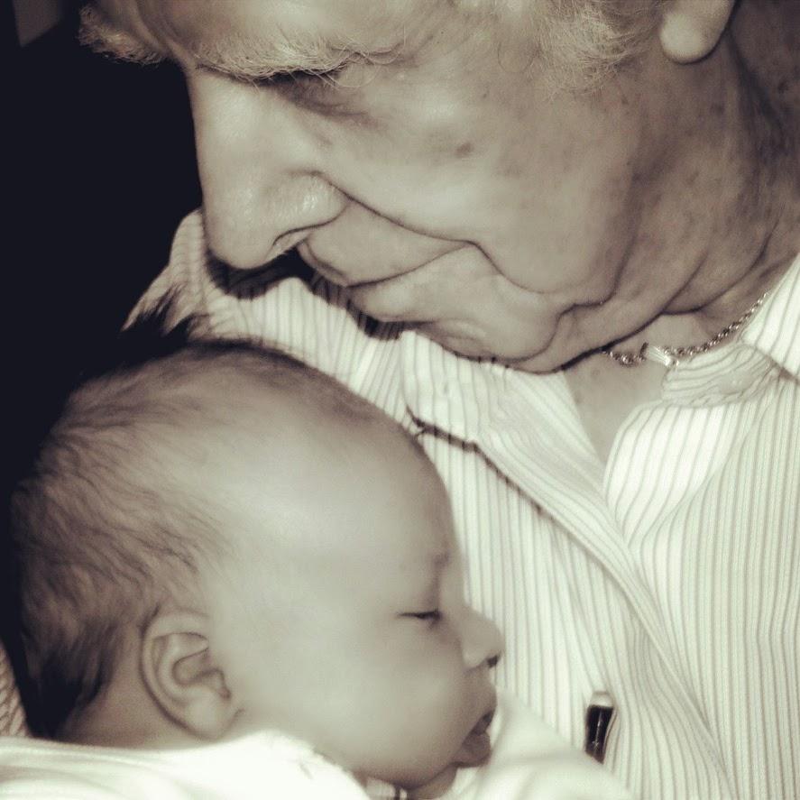 Avô, Bebê, Criança, Mensagem Espírita, Sabedoria, Alegria, Amor, Carinho, Proteção