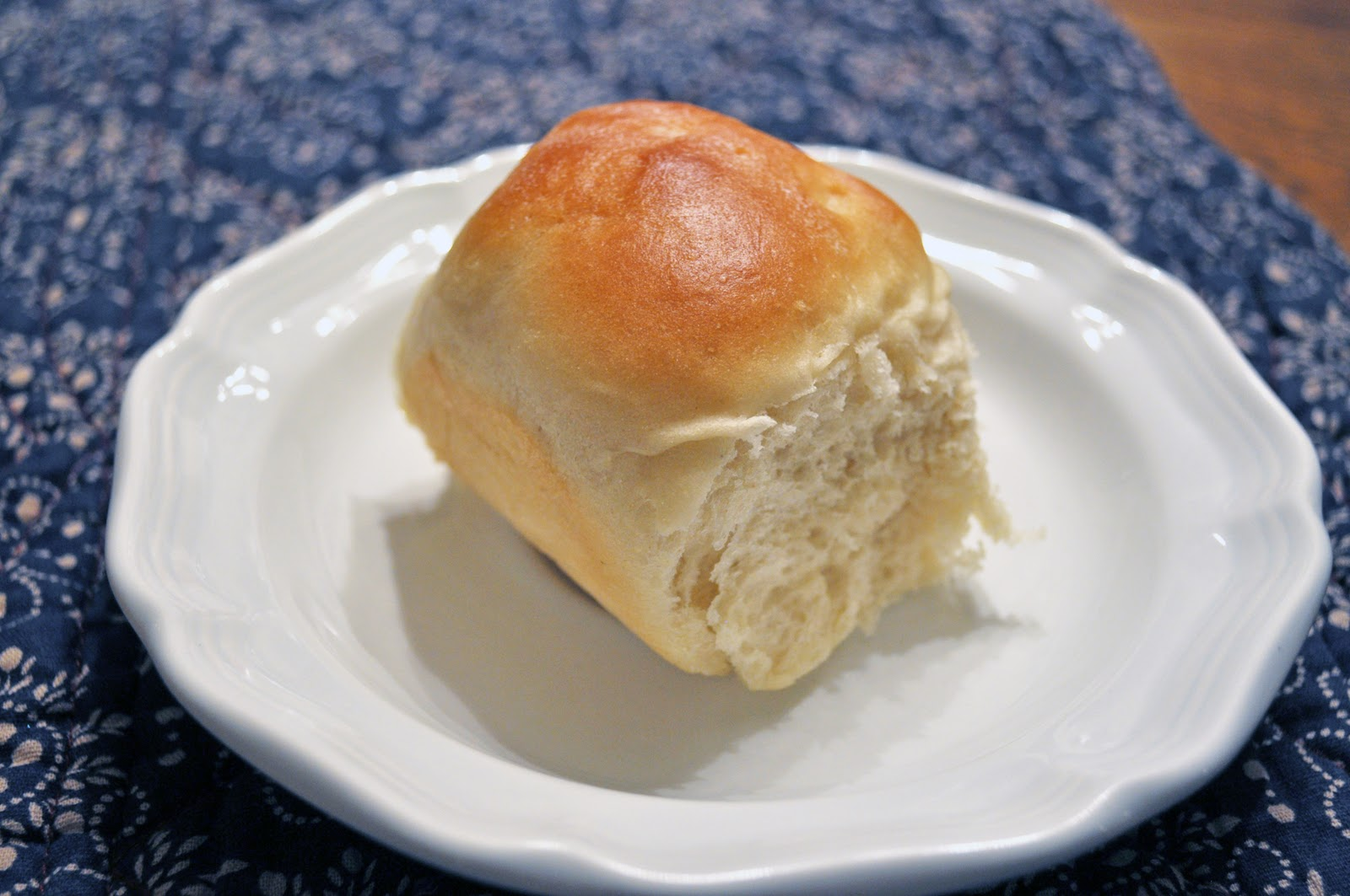 Wranglers and Ribbons: Darn Good Dinner Rolls