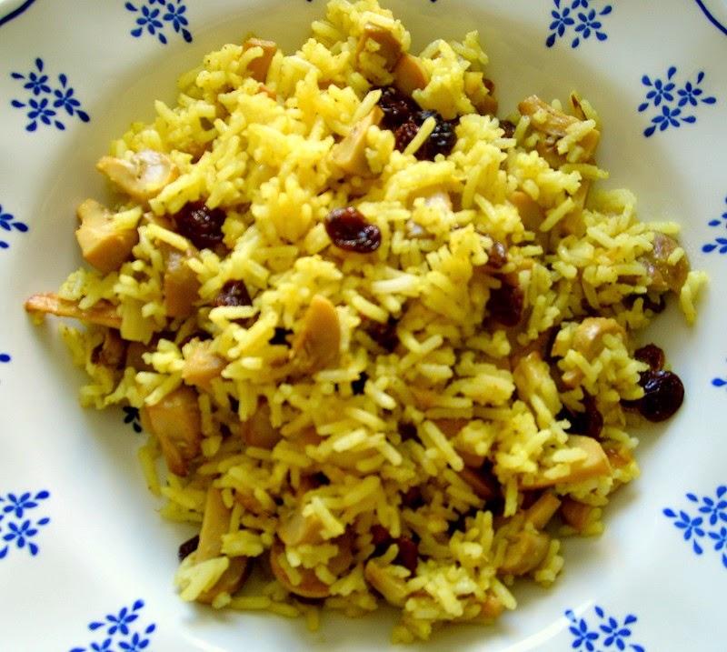 أرز بالزعفران والزبيب