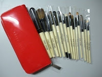 PRE- ORDER ~ Bobbi Brown Brush Set