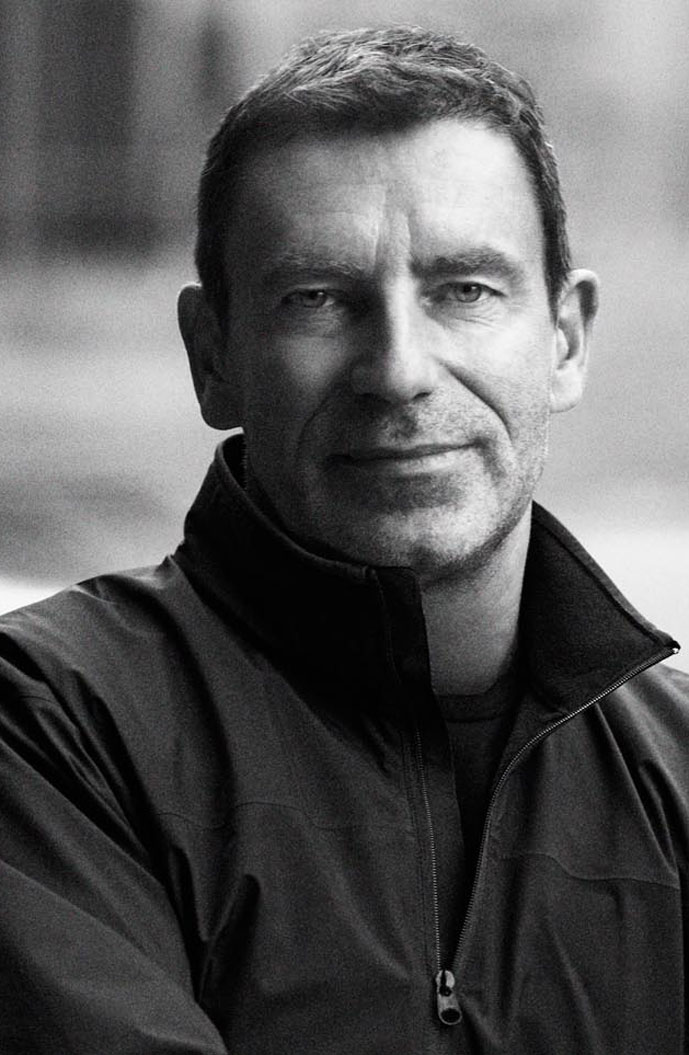 Tomas Maier short biography