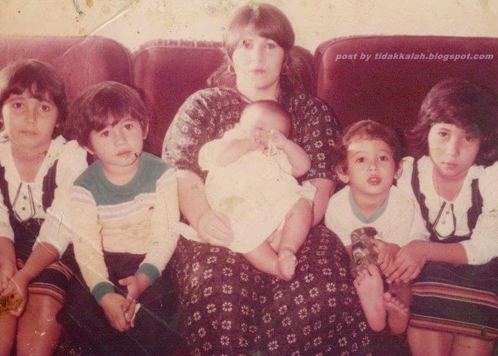 5 gambar wajah ibu emma maembong sama jelita ketika zaman