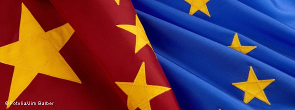 EUROPEUS TENTAM CONVENCER CHINA A INVESTIR MAIS NO RESGATE DO EURO
