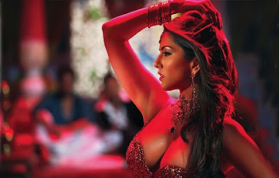 Sunney Leone's Exclusive Hot teaser from movie Shootout At Wadala.